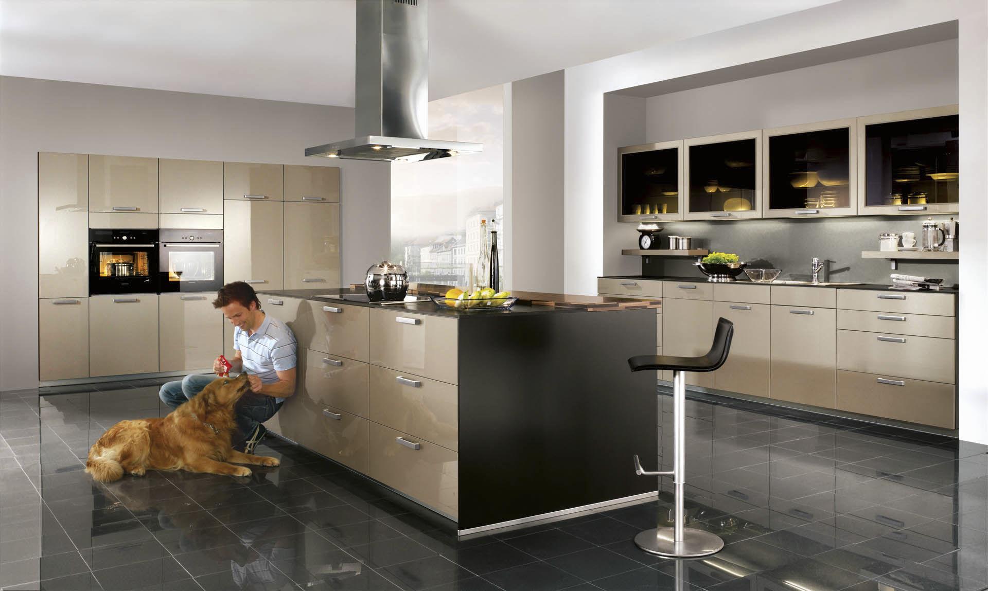 Muebles de cocina con isla central cocina con isla en for Cocinas modernas con isla central