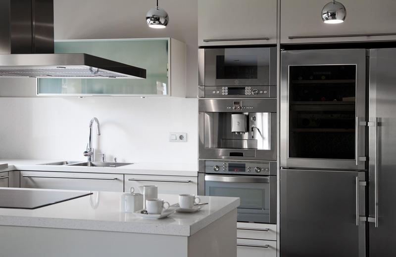 Cocinas de vidrio estudio cocinas dc - Television cocina ...