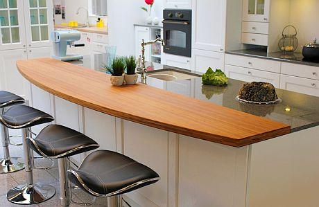 debido a la clara tendencia que existe en espaa y en los mercados de combinar superficies de cocina con materiales sintticos cuarzo