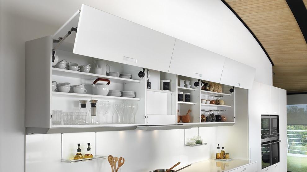 Muebles altos de cocina como elemento de confort estudio - Puertas plegables cocina ...