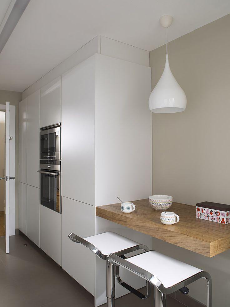 Cocinas con barra de desayuno estudio cocinas dc for Cocinas con barra de desayuno