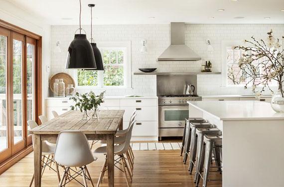 Un toque de calidez estudio cocinas dc - Cocina blanca encimera madera ...