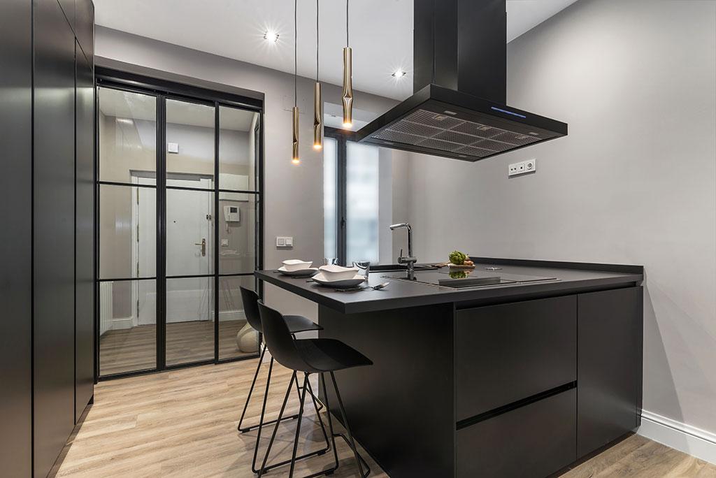 Cocina de diseño moderno negra