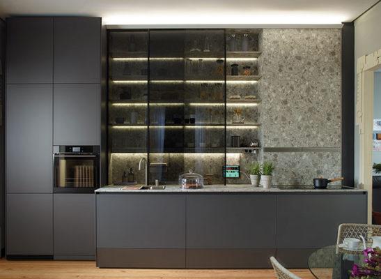 Muebles de cocina suelo techo con Modulo alto y Vitrina Santos