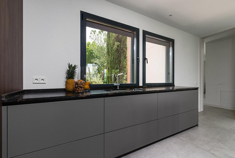 Muebles de cocina grises de Santos