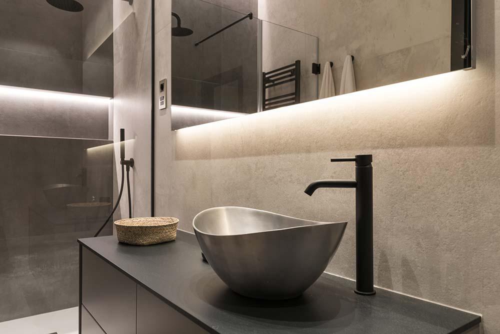 baño-Santos-gris