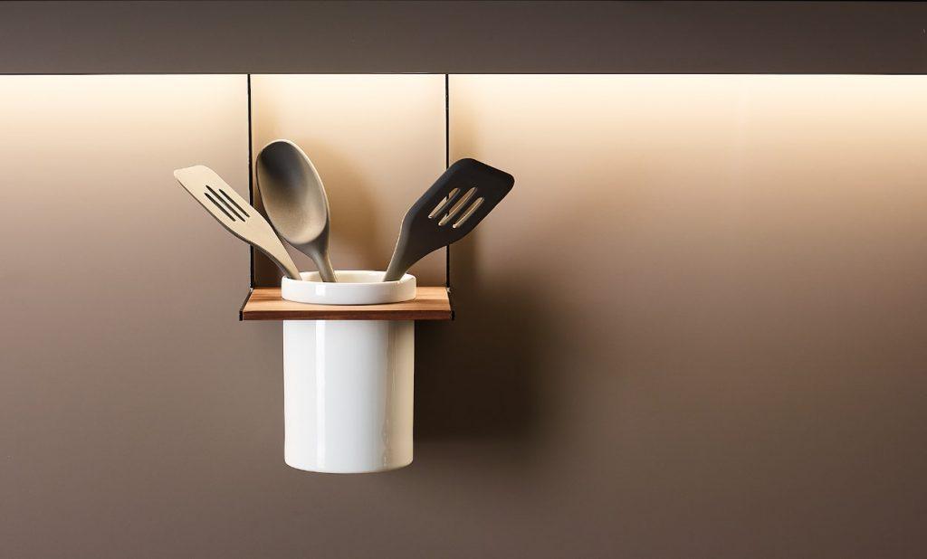 Accesorios para el perfil de iluminación de Cocinas Santos